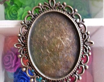 tray: 40 x 30 mm medium cabochon, 61 x 48 x 2 mm, hole: 2 mm antique bronze