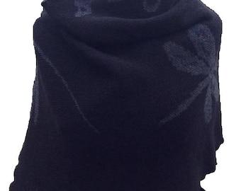 Grey/Black, Dragonfly in Amber, Outlander Shawl, knitted shawl
