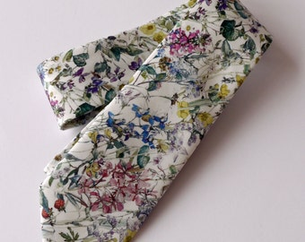 Floral Liberty print tie - wedding tie -   Liberty tie Wild Flowers tana lawn - floral tie