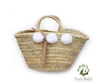 bébé panier de paille petit pompon blanc: panier Français, marocain panier, sac en paille, français panier, sac de plage, sac en paille