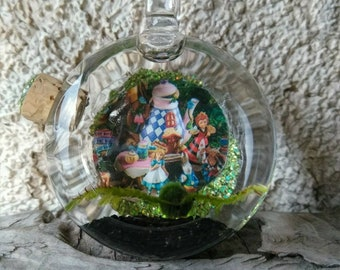 Marimo and Java Moss Terrarium Locket - Live Plant Jewelry - Looking Glass - Alice and the Tea party