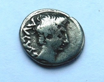 AUGUSTUS  Silver Quinarius 27 B.C.- 14A.D.  Authenticated by David Sear