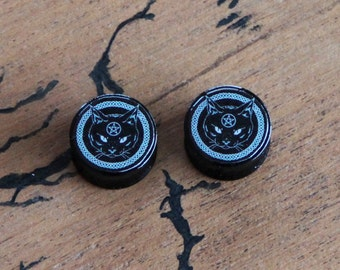 Pair of Plugs 18mm Black Cat