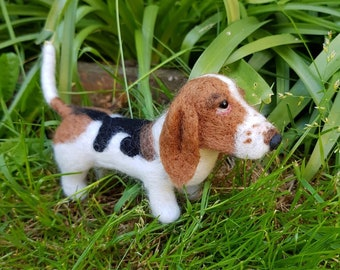 Needle felted 3D miniature Basset Hound dog