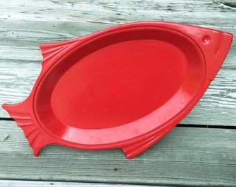 Vintage Red Fish Serving Plate Thermo Plate Heavy Plastic USA