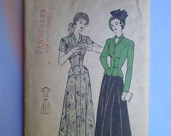 Vintage 40s Noir Peplum Suit Pattern 34