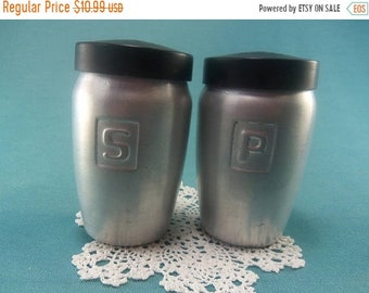 ON SALE-- Vintage Aluminum Salt and Pepper Shakers Modern Mid Century 1950s Thames Country Kitchen SP Collectible