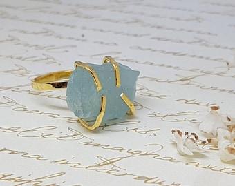 Raw Aquamarine Ring, Aquamarine Statement Ring, Solitaire Gold Ring, Boho Ring, March Birthstone Ring, Raw Stone Ring, Rough Aquamarine Ring
