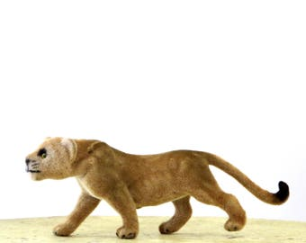 Vintage Kunstlerschutz Lion Flocked Animal Wagner West Germany Rare Female Lioness Cat