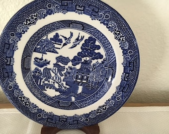 Vintage Blue Willow Bread & Butter Plate (Made in England, Earthenware)byJohnson Brothers