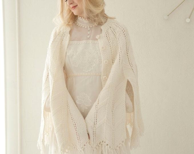 Vintage ivory chevron shawl, white sweater buttons poncho, knit fringe bridal wedding cover up wrap, boho 1970s zig-zag cape