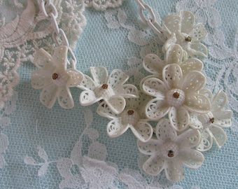 Vintage Celluloid Necklace, White Celluloid, Vintage Daisy Celluloid Necklace, Filigree Jewelry