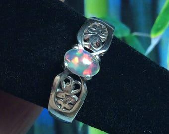 Ethiopian Welo Opal & Sterling Silver Filigree Ring ~ Size 6.5 ~ Opal Jewelry Fiery Stone Very Pretty Flashy Crystal Opal Color  ~ Zen Opals