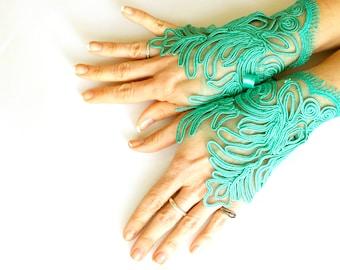 Green lace fingerless gloves, wedding bridal gloves, steampunk noir gothic belly dance vampire lolita wedding fetish dark tribal gloves