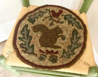 "Rug Hooking Pattern; GATHERING; 12"", 14"" 16"" Round, chair pad pattern; round pillow pattern, round rug hooking pattern"