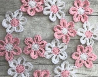 Pretty pink and white flower garland/bunting