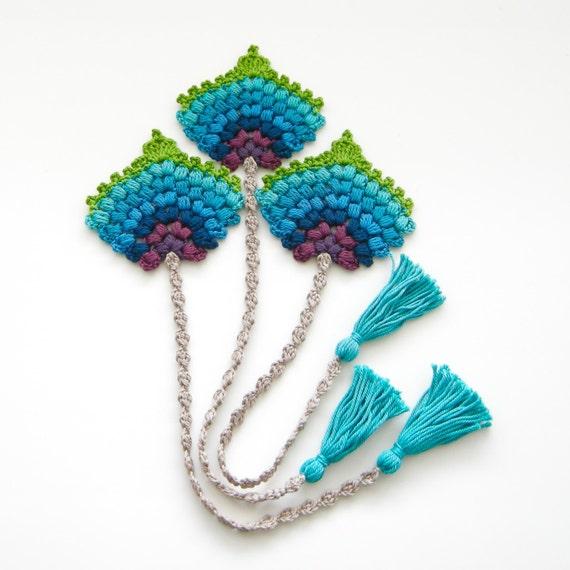 Crochet PATTERN BOOKMARK Peacock Feather Fan Photo Tutorial