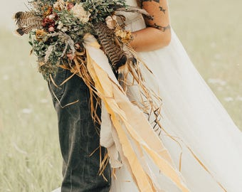 dried flower bouquet, dried bridal bouquet, orange bridal bouquet, mustard bridal bouquet, feather bouquet, rustic bridal bouquet, sunflower