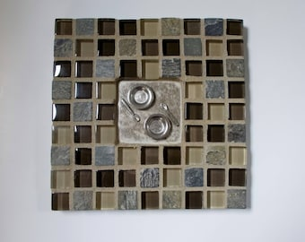 """Tan Brown Glass Slate Stone Mosaic Tile Trivet with Plates and Spoons 6"""" x 6"""""""