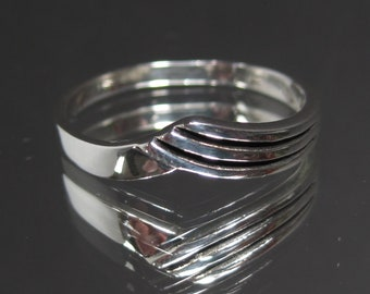 Vintage Sterling Silver Stylized Swoosh Band Ring Sz 9 M680