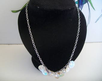Necklace with white mother-of-Pearl sequin
