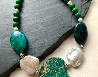 Chrysocolla And Pearls beaded necklace