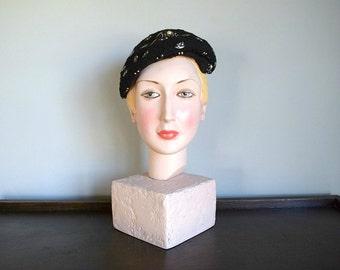 50% SALE . 1950s wool felt hat . vintage 50s hat with studs