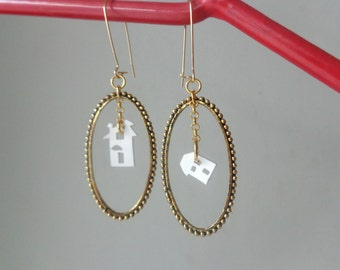 White house Oval brass earrings