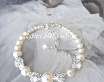 Swarovski pearl and crystal wedding bracelet Brides Bridesmaids Mother the bride bracelet wedding bracelet Bridal jewelry FROSTED