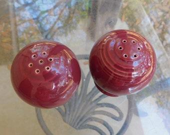 Fiesta Burgundy Salt and Pepper Shaker/Fiestaware Shakers/Homer Laughlin Shakers/Burgundy Shakers