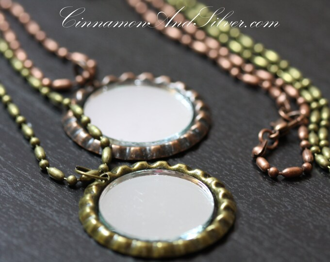 Vintage Magic Mirror Pendant Necklace, Antiqued Mirror Necklace, Vintage Tiny Mirror Necklace, Vintage Bottle Cap Mirror Necklace