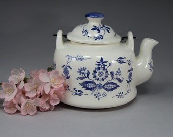 Teapot, Blue Onion, Rustic, Cottage Chic, Blue, White, Gift for Her, Gift for Him, Birthday Gift, Home Décor, Housewarming Gift, Tea Pot
