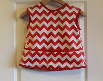 CLEARANCE 25% OFF Kids 6/7 Kids Waterproof Art Smock Craft Smock in Red and White Chevrons