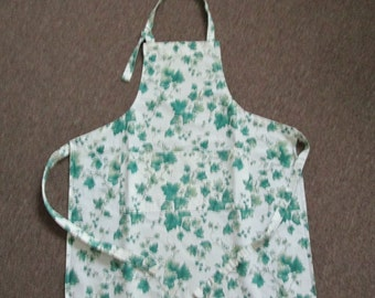 Bib Apron English Ivy On Heavy 100% Cotton Material