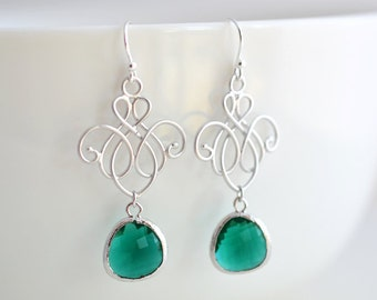 Chandelier and emerald green earrings, Silver earrings, Wedding earrings, Bridal jewelry, Bridesmaid gift, Clip earrings,Christmas