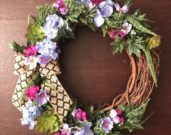 Blue, purple and green hydrangea and cosmos wreath