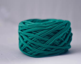 Emerald Green Worsted Weight Recycled T-shirt Yarn