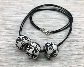 Chunky bead necklace/Houndstooth necklace/Black white gift/Houndstooth jewelry/Houndstooth/Street  necklace/Urban jewelry/Valentine's day