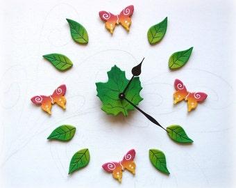 Orologio a muro con farfalle Orologio da parete artigianale Idea regalo per fiorista inaugurazione negozio Regali personalizzati Tema natura