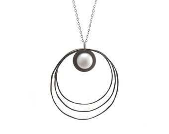 Pearl and Three Silver Rings Necklace