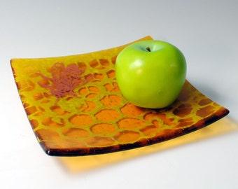 """Honeybee Fused Glass 8"""" platter"""