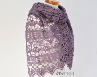 Crochet shawl, amethyst, purple, Q583