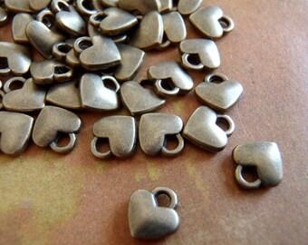 20 - Antique bronze heart - Tiny Charm (ABHTC)