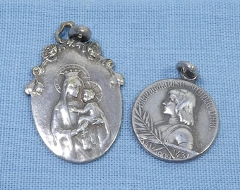 2 Antique Silver Plated Religious Pendant Medallions Medals Jeanne D'Arc + Jesus Christ For Necklace Chain