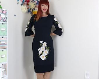1990s Vintage Dress - Floral - Daisy - Embroidered - Navy Blue - Body Con Dress - Midi - 3/4 Sleeve - Day Dress - Small/Medium