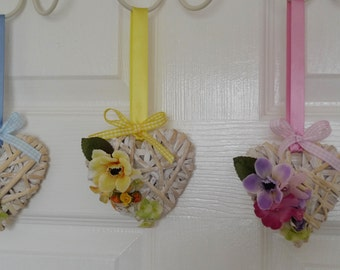 Set of 3 decorative hanging wicker hearts