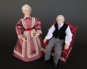 Miniature dolls of 1890 1:12 dollhouse dolls by Paola&Sara Miniature