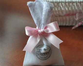 Lavender sachet in linen and broderie anglaise (set of 20 pieces)