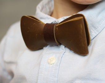 Men's brown Leather bow tie. Bow ties for Men . Rustic bow tie Fathers Day gift Groomsmen gift ideas