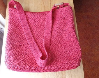 CLEARANCE/SALE  Liz Claiborne purse/pocketbook Red Crochet In very good shape Woven Pocketbook/Purse